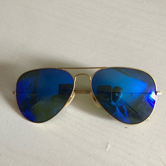 bc1a9089ee8 Ray Ban Blue Aviator sunglasses. M 5b7ddbd2f41452d05cf1ef92